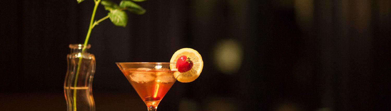 Foto Bar des Hotelrestaurants mit abendlichen Drinks